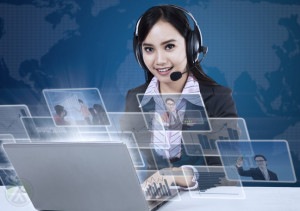 female-customer-support-outsourcing-agent