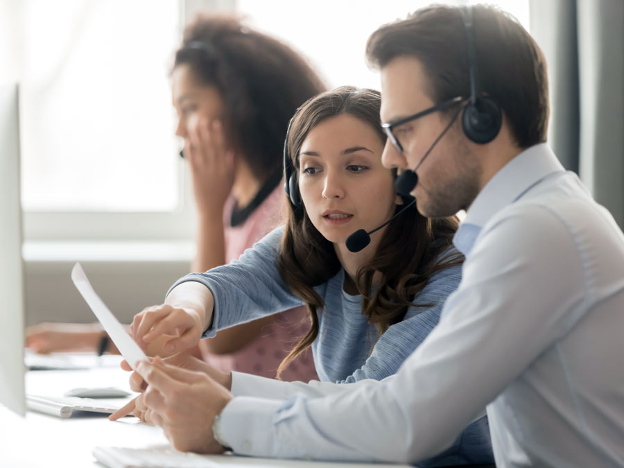 call center team leader coaching customer service agent