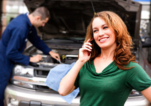 female-customer-phone-mechanic-call-center-outsourcing-customer-experience