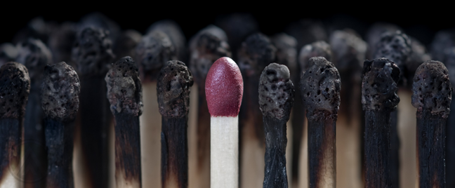 unlit-match-head-with-burnt-out-matches