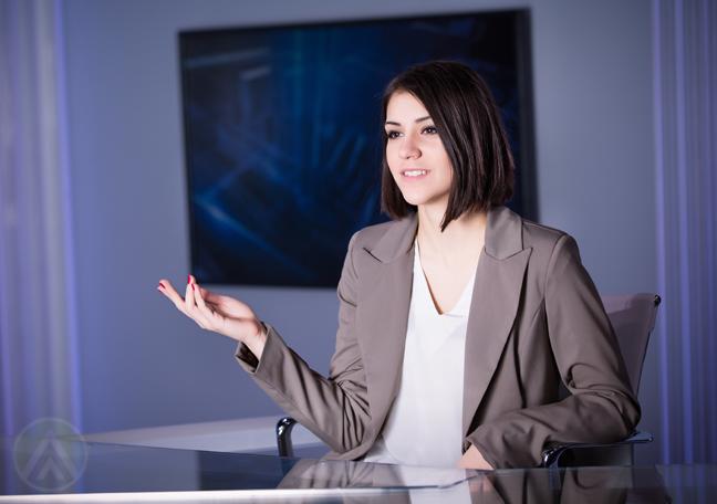 female-reporter-speaking