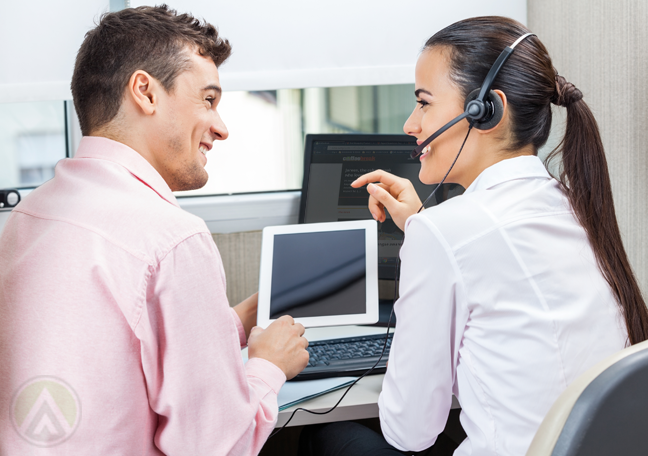 male-call-center-team-leader-with-customer-service-chatting-at-work