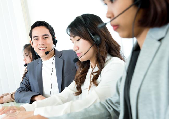 Asian-call-center-team
