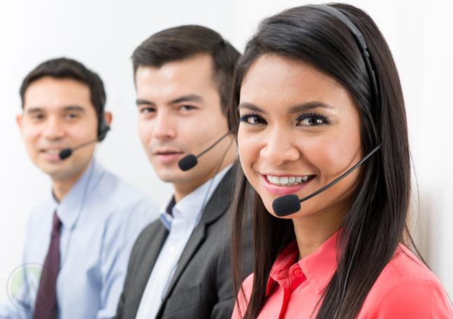 smiling-filipino-call-center-agents