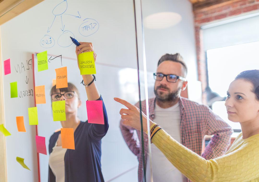 call center team leaders planning branded customer experience metrics