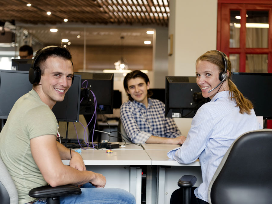 call center team discussing customer service