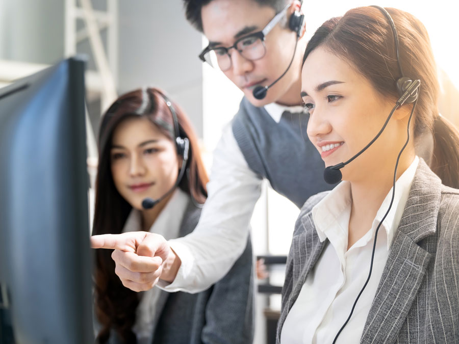 customer support agent in call center training