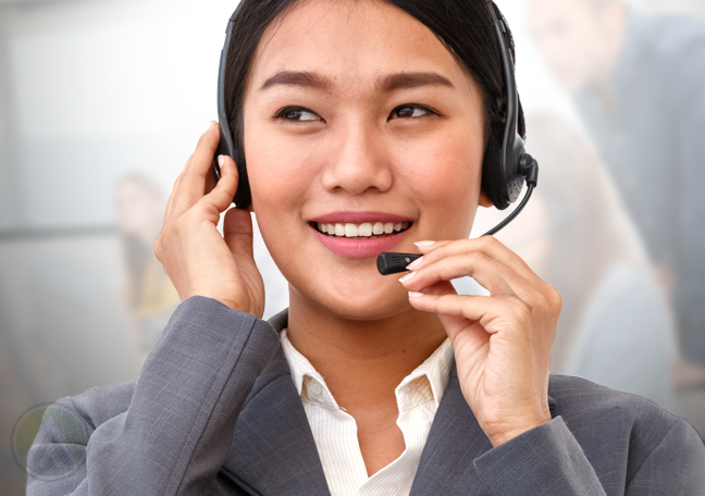 woman asking the right questions to customer in call center